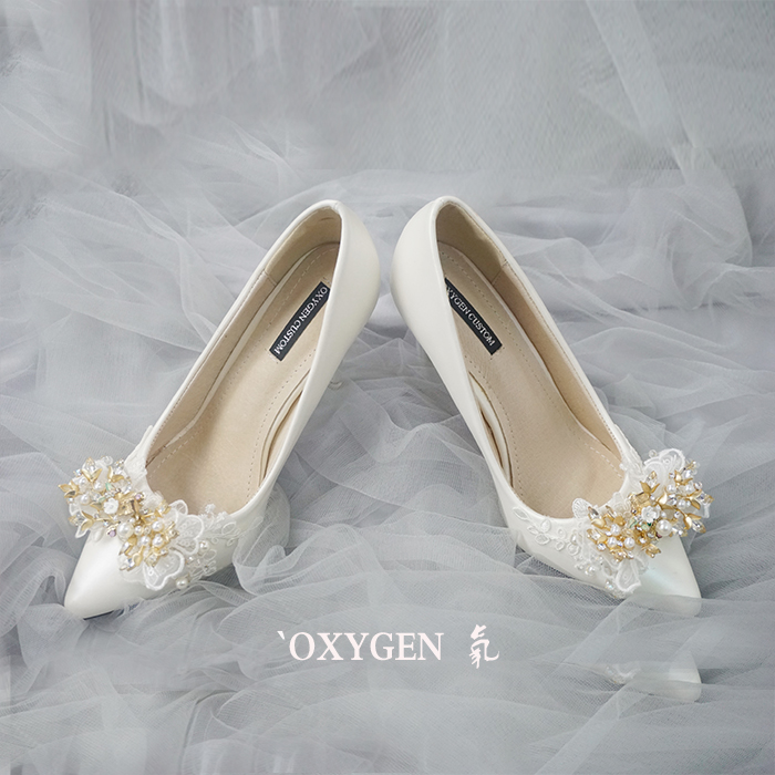 Pointed Toe High Heel Pumps Adorned with Lace and Pearl Applique , Bridal Shoes, Bridesmaids Shoes, Prom Heels