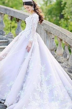 Luxury Dubai Long Sleeves Wedding Dresses 2018 Sheer Neck Lace Appliques Bridal Gowns Sweep Train Saudi Arabia Wedding Vestidos
