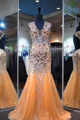 Shinning Heavy Beading Prom Dresses Sexy Open Back V Neck Crystals Beaded Tulle Mermaid Evening Gowns Champagne Floor Length Formal Wear