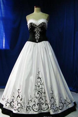 New Vintage Black And White Wedding Dresses Floor Length Sweetheart Wedding Dress With Embroidery Princess A Line Ball Wedding Gowns