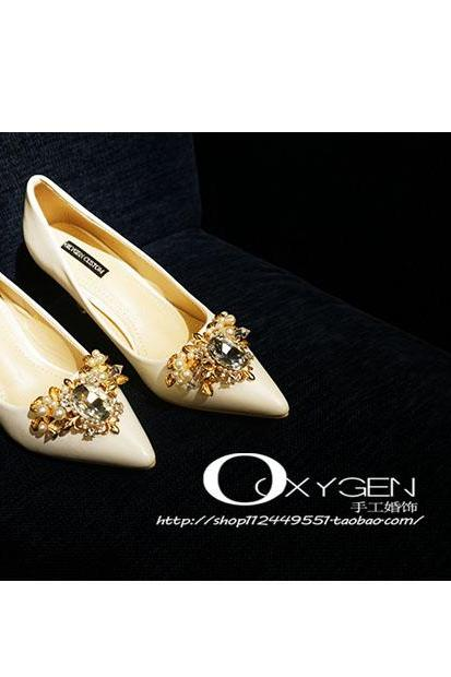 Pointed Toe High Heel Pumps Adorned with Crystal Beading , Bridal Shoes, Bridesmaids Shoes, Prom Heels
