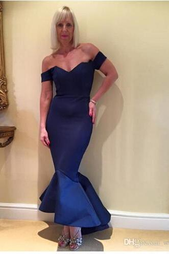 Sexy Navy Blue Mermaid Bridesmaid Dresses High Low Sweetheart Off Shoulder Ruffles Satin Short Prom Gown Backless Evening Party Gown