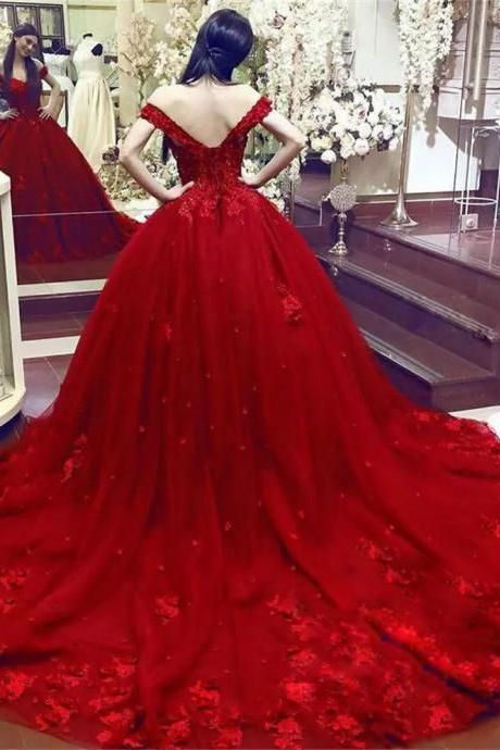 Fascinating Arabic Dubai Wedding Gown Beaded Lace Applique Hand Made Flowers Bridal Dress Glamorous Red Tulle Chapel Train Wedding Dresses