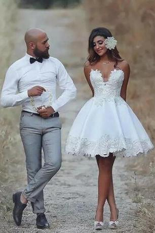 Short Knee Length Wedding Dress Appliques Sweetheart Neck Country Bridal Gowns Vintage Backless Brazil Lace Wedding Dress robe de mariée