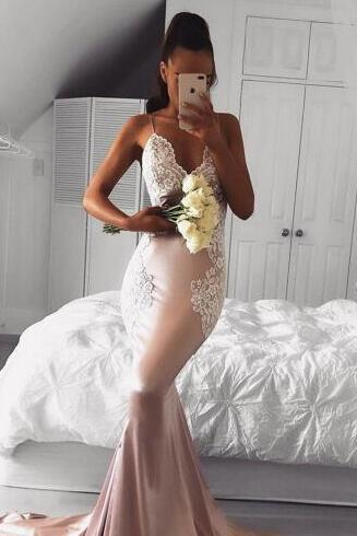Sexy Prom Dresses With Deep V Neck Lace Appliques Mermaid Party Gowns Spaghetti Straps Sexy Back Evening Formal Gowns