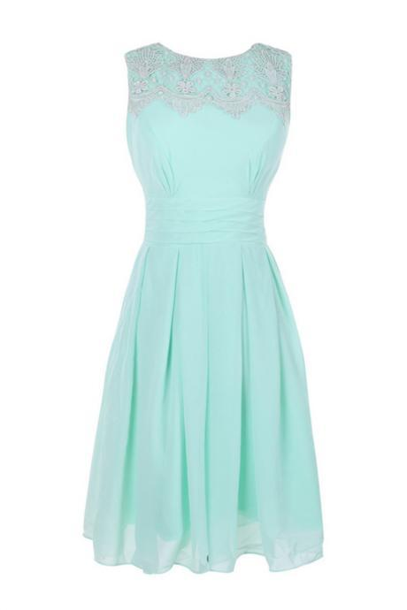 Simple A-line Jewel Knee-length Bridesmaid/Prom/Homecoming Dress With Appliques