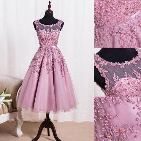 New Crew Neck Lace Knee Length Homecoming Cocktail Dresses Organza Lace Applique Beaded Short Party Homecoming Gowns